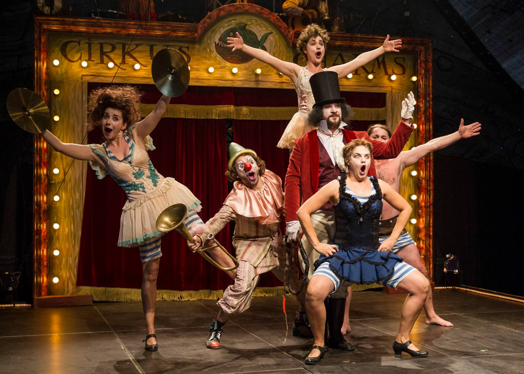 Teatro_tatro_Cirkus_Charms_1